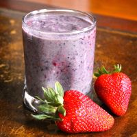 My Favorite Banana Berry Kale Protein Smoothie