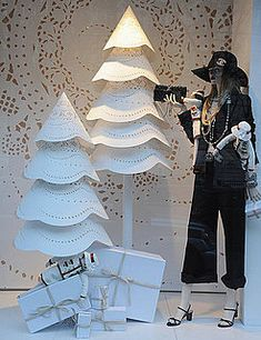 Paris Chanel Holiday Window Decorations | POPSUGAR Home