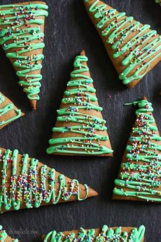 Christmas delights These easy Gingerbread Christmas Tree Cookies are made with apple sauce to use a fraction of the butter – yet they still have the same great flavor and texture. Perfect for your Holiday baking! Healthy Christmas Cookies, Cute Christmas Cookies, Christmas Sweets, Christmas Cooking, Christmas Goodies, Holiday Cookies, Holiday Treats, Holiday Recipes, Jolly Holiday
