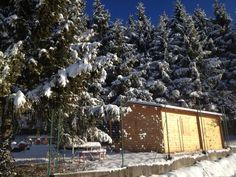 Casetta sotto la neve