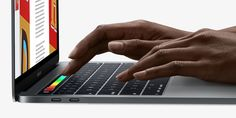 Cómo realizar una captura de lo que muestra el Touch Bar # A principios de esta semana los primeros afortunados que reservaron los nuevos modelos de MacBook Pro con Touch Bar ya están recibiendo estos nuevos modelos y poco a poco vamos teniendo más información relacionada con ... »