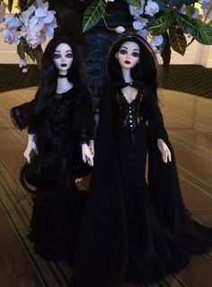 """Finally -- the sisters are together!!  """"Evangeline Ghastly""""/Severina (18.5"""" resin, LE/750) and """"Gothic Vigil""""/Layla (18.5"""" resin, LE/50).  (My picture)."""