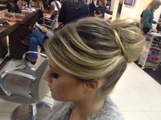 Brazilian blogger Lala Rudge hairstyle
