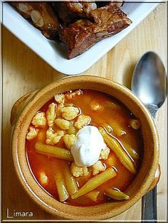 Recipes, bakery, everything related to cooking. Hungarian Recipes, Hungarian Food, Eat Pray Love, Thai Red Curry, Chili, Bakery, Food And Drink, Lime, Beef