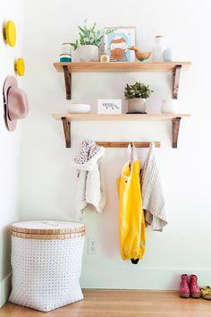 White floor basket