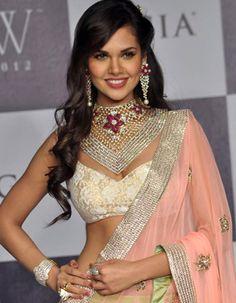 Esha Gupta talks of her Bollywood career and guidance she got