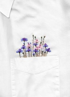 Embroidery art hand pockets ideas for 2019 - Stickerei Ideen Indian Embroidery Designs, Embroidery Designs Free Download, Couture Embroidery, Embroidery Fashion, Embroidery On Clothes, Shirt Embroidery, Embroidered Clothes, Floral Embroidery, Embroidered Flowers