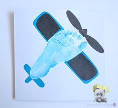 Kartka z Odciskiem Stópki - Samolot / Airplane Footprint Card (airplane crafts) Daycare Crafts, Baby Crafts, Toddler Crafts, Preschool Crafts, Crafts For Kids, Daycare Rooms, Baby Footprint Art, Transportation Crafts, Airplane Crafts