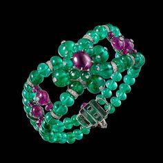 High Jewelry bracelet from the Résonances de Cartier collection  platine with emeralds, rubies, onyx & diamonds ⚡⚡⚡ #CartierBracelet #RésonancesDeCartier #HighJeweleryBracelet __________  Pulsera de alta joyería de la colección Résonances de Cartier  platino con esmeraldas, rubíes, ónix y diamantes ⚡⚡⚡ #PulseraCartier #AltaJoyeria #DeJoyaEnJoya
