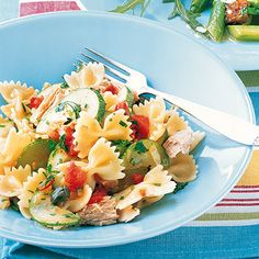 healthy summer dinner: tuna pasta