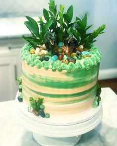 Dino cake Dinosaur Cupcake Cake, Dino Cake, Cupcake Cakes, Happy Birthday Baby, Dinosaur Birthday Party, 5th Birthday, Dino Kids, Cooking Cake, Dessert Decoration