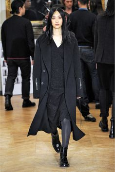Yang Li Fall 2013 Ready-to-Wear Collection Slideshow on Style.com