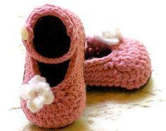 Crochet Baby Pattern Sandals  Carefree Sandals por TwoGirlsPatterns