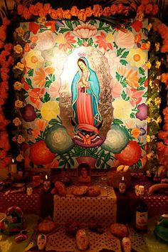 dia de los muertos altars | traditional altar for Día de los Muertos: Day of the Dead