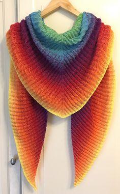 Einhorn - Tuch... Lockerleicht gestricktes Dreieckstuch! 180cm Spannbreite und 60cm in der Mitte! Love it <3