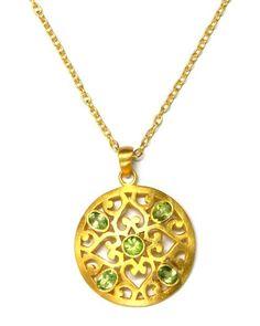 Pretty green pendant necklace