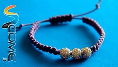 Make shamballa macrame bracelets with your own beads in 15 minutes, step to step guide. Crochet Lanyard, Nut Bracelet, Macrame Tutorial, Homemade Jewelry, Bijoux Diy, Love Crochet, Metal Stamping, Friendship Bracelets, Jewelry Making