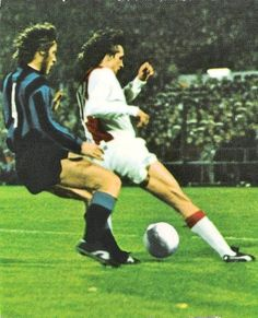Photo Archive / Player - The World of Johan Cruyff Number 14, Soccer Stars, Could Play, Photo Archive, Fc Barcelona, Champions League, Football Players, Ronaldo, Milan