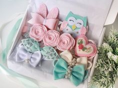 Gift for baby girl, baby gift box, headbands set, baby hair accessories, mint he. Baby Girl Bows, Baby Girl Headbands, Baby Girl Gifts, Sister Valentine, Valentine Day Gifts, Diy Hair Bows, Diy Bow, Bunny Ears Headband, Knot Headband