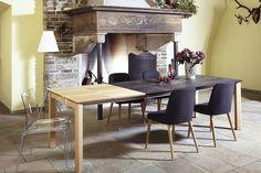 Unser Keramik Esstisch CEIDI mit den Dosso Stühlen und dem transparenten Mamamia Stuhl. Den Esstisch CEIDI gibt es auch komplett in Holz oder komplett in Keramik. Hier zu sehen in Eiche bianco und Keramik: OXIDO Darknight