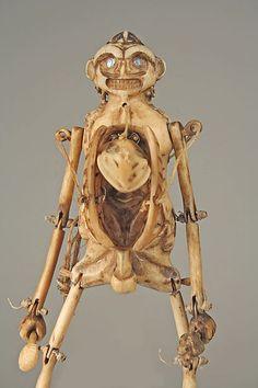 Arte Haida, Marionette Puppet, Inuit Art, Tlingit, Jeanne, Creepy Dolls, Hand Puppets, Native American Art, Stop Motion