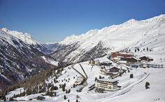 An expert guide to skiing in Obergurgl, including the best runs, hotels,   restaurants and bars