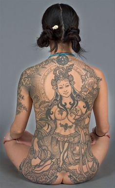 green Tara all-back tattoo - WOW! Kali Tattoo, Backpiece Tattoo, Arm Tattoos, Body Art Tattoos, Tatoos, Tattoo Art, Circle Tattoos, Tiger Tattoo, Color Tattoo
