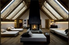 Hotel The Alpina Gstaad is a luxury ski & spa hotel in Gstaad, Swiss Alps. Hotel The Alpina Gstaad has exclusive rooms, a Michelin restaurant & Six Senses Spa. Rustic Style, Modern Rustic, Hotel Concept, Most Luxurious Hotels, Relaxation Room, Lounge, Design Hotel, Spa Design, Hotel Suites
