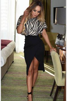 e8f3a8e40f30 Fashion e-Shop Φόρεμα μίντι με animal print στο πάνω μέρος και άνοιγμα στο