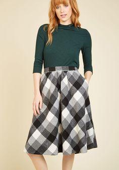Sunday Sojourn Midi Skirt in Black Plaid