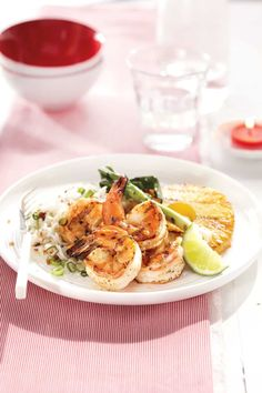 Sweet-and-Sour Shrimp and Pineapple With Coconut Rice Canadian Living Recipes, Pineapple Shrimp, What Is For Dinner, Coconut Rice, Fish And Seafood, Lunches And Dinners, Healthy Cooking, Seafood Recipes, Yummy Food