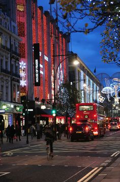 Christmas in London--------General view of the Christmas decorations hanging outside House of Fraser department store in Oxford Street on November 26, 2009 in London, ...