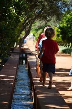 Babylonstoren Estate - Paarl - filled with opportunities to play - leivoor running path & cooling off spot for those hot summer days.  Dating back to 1690, Babylonstoren is one of the best preserved werfs in the Cape Dutch tradition. #Babylonstoren #Paarl #leivore