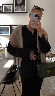Classy Outfits, Pretty Outfits, Fall Outfits, Cute Outfits, Fashion Outfits, London Girls, Edgy Chic, New Fashion Trends, Autumn Winter Fashion