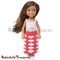 Sweetheart Kisses Girl Fashion Doll Dress   FREE Designer's Potpourri CAL pattern via @beckastreasures   A precious Valentine's dress for little Barbie dolls! #hearts #valentines #crochet