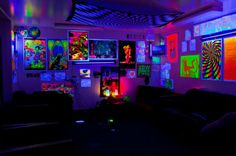 Black light room-- I've always wanted to get a black light and some posters from Spencers or somewhere. It would certainly make the place... interesting. c: