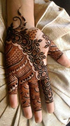 We have collected the best Mehandi designs that are suitable for any occasion. These mehndi designs easy to make and are extremely gorgeous. Dulhan Mehndi Designs, Mehandi Designs, Mehendi, Mehandi Design For Hand, Mehndi Designs Book, Arabic Henna Designs, Mehndi Design Images, Henna Designs Easy, Mehndi Patterns
