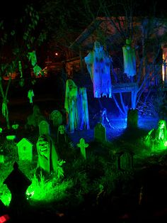 Something wicKED this way comes....: A wicKED opinion on yard haunt lighting.