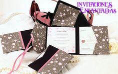 Invitacion de triptico con diseño de flores y gariboles + sobre