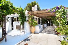 Villa Hill Top View, Spetses, Saronic Islands, Villas in Greece, self catering villas in Greece, holiday accommodation and villas in Greece, Pretty Greek Villas