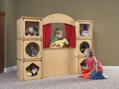 Puppets and puppet theaters are an excellent way to encourage pretend play and fun! See our round-up of eco-friendly and DIY puppet theaters for kids. Eco Kids, Diy For Kids, Puppet Show Stage, Homemade Puppets, Wooden Puppet, Winter Diy, Diy Upcycling, Diy Holz, Imaginative Play
