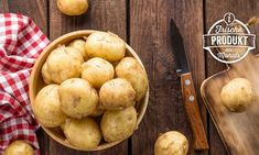 The most common mistakes when making mashed potatoes Making Mashed Potatoes, How To Cook Potatoes, Peeling Potatoes, Fiber Foods, Roasted Potatoes, Baking Tips, Potato Recipes, Dishes Recipes, Food Hacks