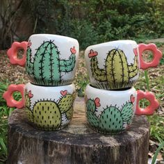 Love Ceramic, Ceramic Plates, Pottery Painting, Ceramic Painting, Turkish Decor, Clay Mugs, Painted Flower Pots, Adult Crafts, Hand Painted Ceramics