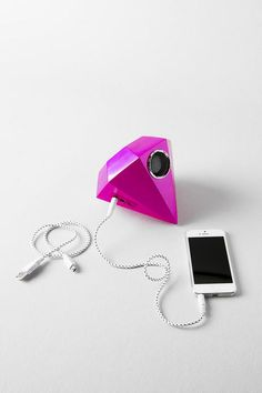This speaker is a real gem! Never miss a chance to get down with the Giant Gem Speaker! Take the gem to the beach or leave it on your desk as a cool conversation piece. When things get tough, plug it into your laptop and it is guaranteed to turn any day into a dance party!