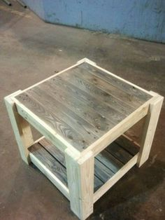 Let's catch and craft a surprising plan of utilization the previous shipping pallet wood into an unambiguously crafted pallet table project. This astonishingly created pallet table set up looks one… Reclaimed Wood Projects, Diy Pallet Projects, Pallet Ideas, Woodworking Projects, Woodworking Wood, Diy Pallet Furniture, Furniture Projects, Rustic Furniture, Homemade Furniture