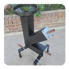 Rocket Stove Design, Diy Rocket Stove, Rocket Stoves, Outdoor Cooking Stove, Outdoor Stove, Metal Projects, Welding Projects, Bbq Stand, Multi Fuel Stove