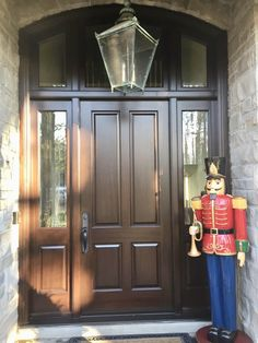 Beautiful festive home features gorgeous #CustomMade #SolidMahogany #AmberwoodDoors #Entrance with Fumed Oak stain; Dual Clear glass; & elegant #Emtek Hardware! Call or come into Amberwood\'s outstanding #Showroom for our *WINTER BOOKING SPECIAL* ending Dec. 31, 2018! 416-213-8007 or 1-800-861-3591 #DoorsOfDistinction #DoorsOfTheWorld #MadeInCanada #Toronto #Architecture #HouseBeautiful #HouseAndHome #Veranda #Dwell #StyleAtHome #CurbAppeal