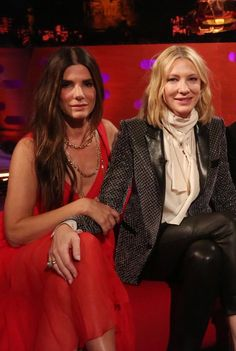 """Sandra Bullock and Cate Blanchett touching each other and the meaning of it. A threat"" Sandro, Ocean's Eight, People's Friend, Middle Aged Women, Fashion Tv, Sexy Older Women, Cate Blanchett, Gwyneth Paltrow, Sandra Bullock"