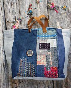 Maxi patchwork denim bag with embroidery, handmade leather .- Maxi-Patchwork-Denim-Tasche mit Stickerei, handgemachtem Leder – Bild+ Maxi patchwork denim bag with embroidery, handmade leather – - Patchwork Denim, Patchwork Bags, Quilted Bag, Sashiko Embroidery, Embroidery Bags, Japanese Embroidery, Brother Embroidery, Embroidery Stitches, Embroidery Designs
