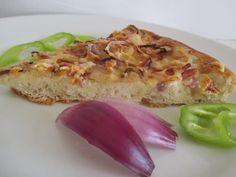 Otthon is elkészíthető, legjobb pizzakövön vagy pizzatepsiben készíteni. Eggs, Breakfast, Food, Morning Coffee, Essen, Egg, Meals, Yemek, Egg As Food